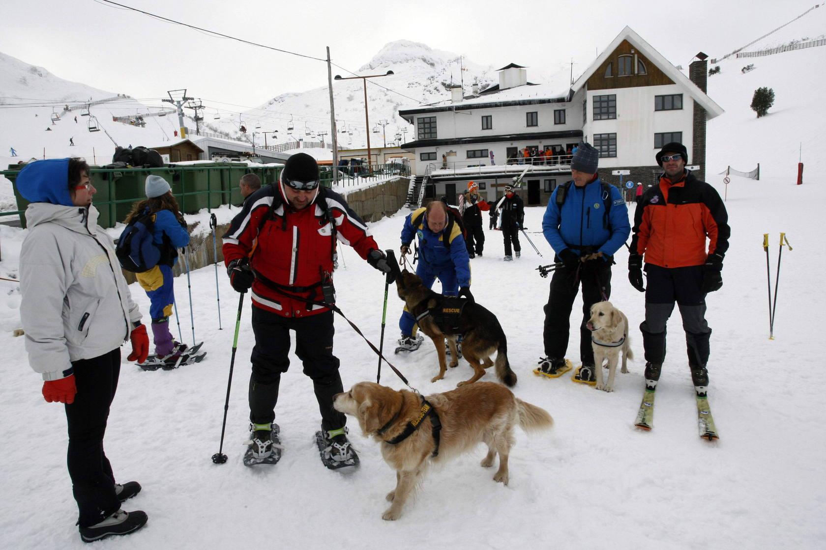 Primera jornada de nieve en Pajares