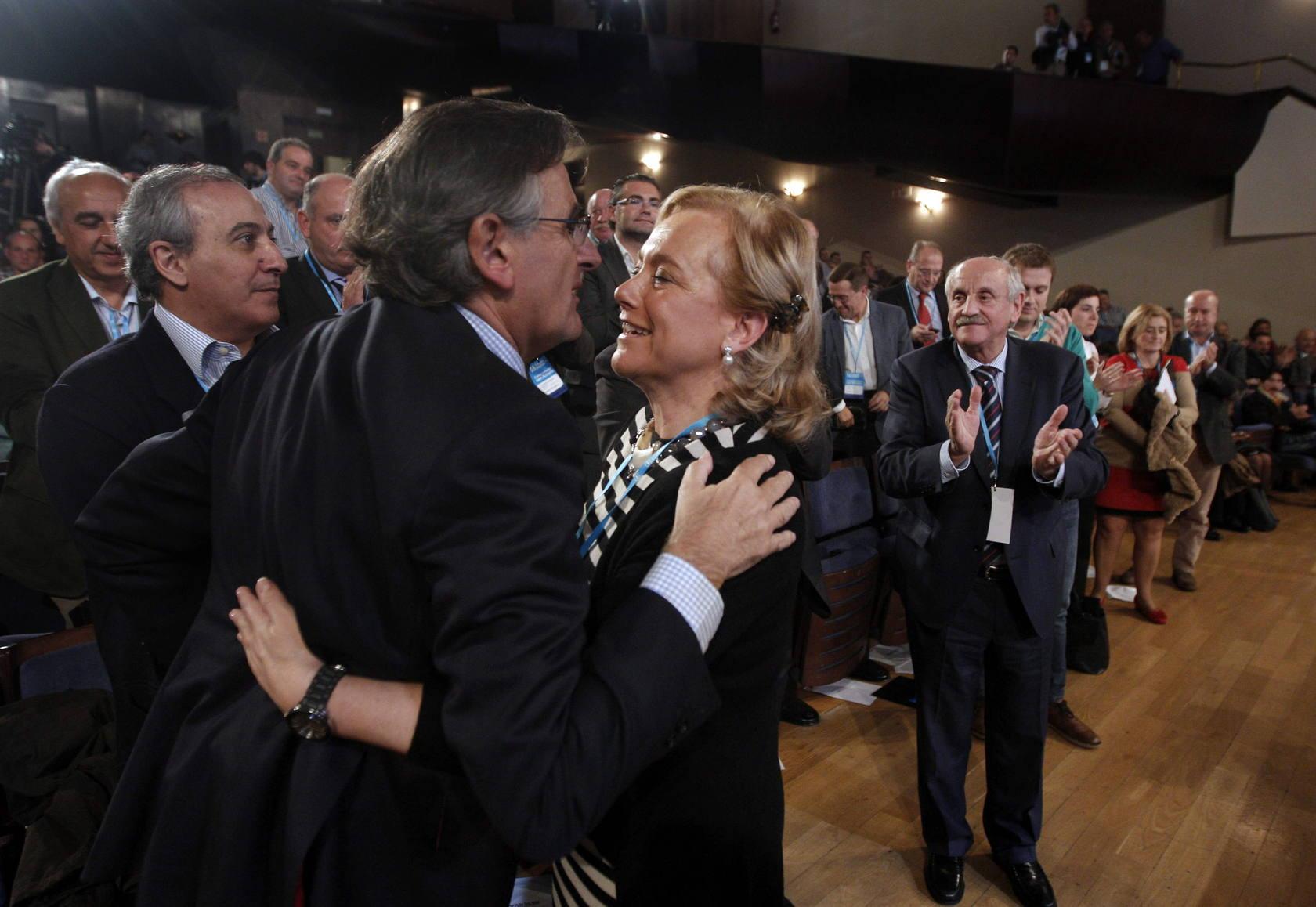 Mercedes Fernández, reelegida como presidenta del PP asturiano
