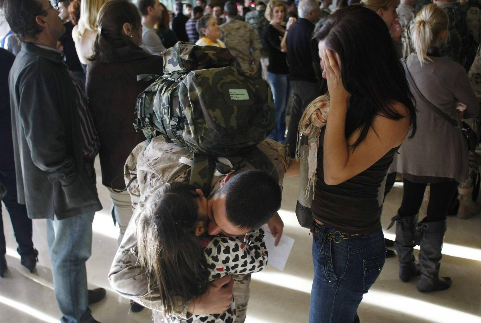 269 militares parten de Asturias hacia Afganistán